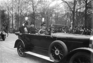 Le roi Amanullah reçu à Berlin par le Président Hindenburg (1928)