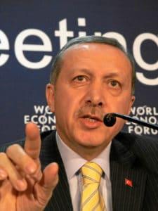 Erdogan a compris que l'emplacement stratégique de son pays et de sa mégalopole Istanbul, entre Orient et Occident, mettait la Turquie en position de capter les flux de l'Ancien et du Nouveau monde.