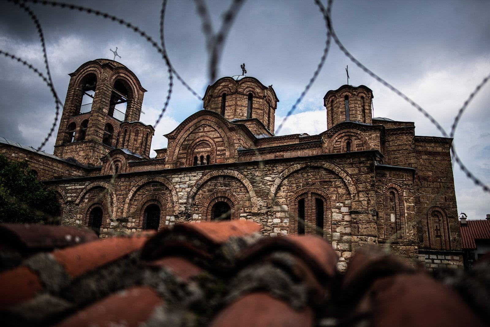 Entretien avec Nikola Mirkovic – Serbie : les fractures actives de la guerre