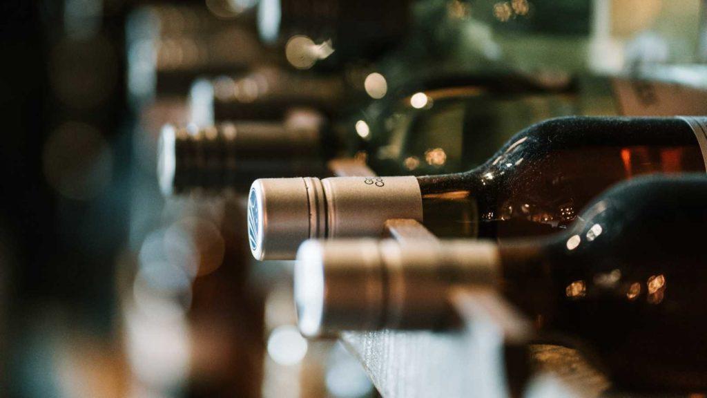 Pourquoi les Anglo-saxons dominent la critique vinicole mondiale