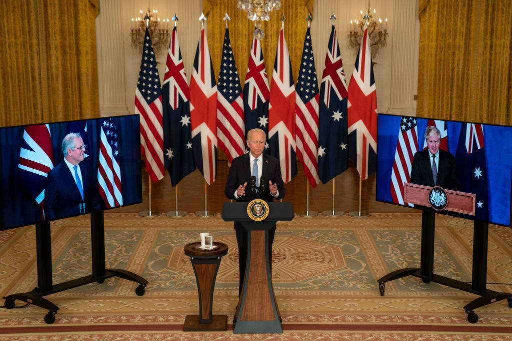 Vu d'Amérique : l'administration Biden doit agir vite pour rétablir  les relations avec la France
