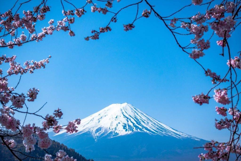 Les invariants de la relation du Japon et de la Chine