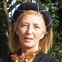 Aude de Kerros
